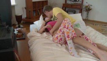 Valerie Luxe verführt ihren Freund - My Sisters heiß Friend
